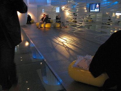 Améliorer les espaces commerciaux grâce aux sols surélevés