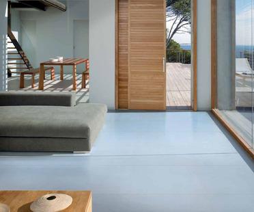 Ariostea Iridium : la couleur vedette des espaces modernes