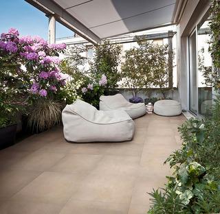 Revêtements de sol extérieurs IRIS: solutions idéales pour l'automne et l'hiver
