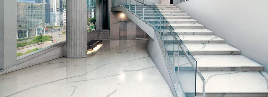 Sols en grès cérame effet marbre FMG pour les centres commerciaux