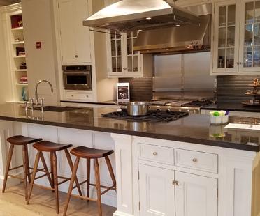 SapienStone Pietra Grey pour une cuisine contemporaine et raffinée