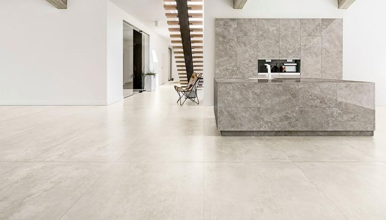 Dalles effet ciment et résine CON.CREA. pour des environnements contemporains style minimaliste<br />
