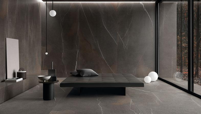 Ultra Pietre Ariostea, la solution idéale pour des revêtements et des ameublements aussi bien modernes que classiques.