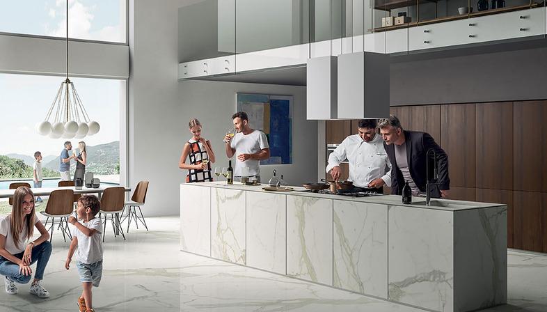 Résistants, hygiéniques et inaltérables : les plans SapienStone Calacatta sont les stars de la cuisine.