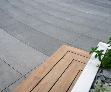 Innovation technique et céramique de qualité : avantages et prévention grâce aux planchers surélevés Granitech