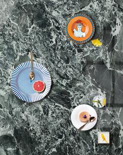 Les plans SapienStone présentent Alpi Chiaro Venato pour des cuisines alliant élégance et fonctionnalité
