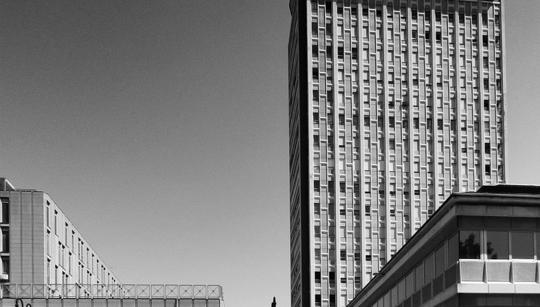 Architecture photography as a trait d'union between past and future