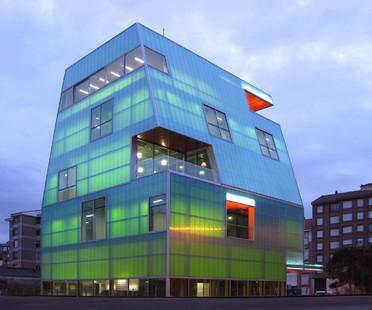 Casa de la Juventud en polycarbonate à Santoña – Projet de MISC arquitectos