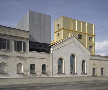 OMA Rem Koolhaas restructure une distillerie pour en faire le siège de la Fondation Prada à Milan.