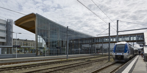 Verre et bois lamellé-collé pour la gare LORIENT-BRETAGNE SUD signée AREP