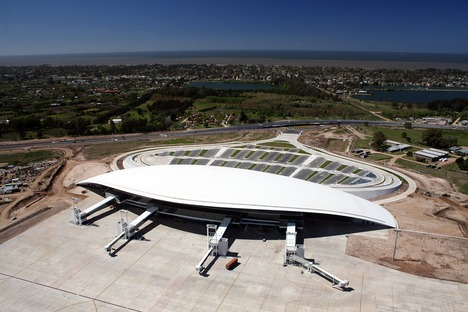 La toiture du Carrasco International Airport de Viñoly à Montevideo