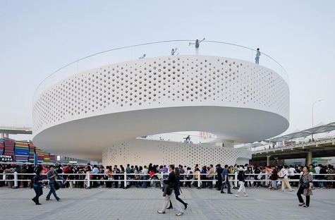 La double spirale fermée du pavillon de l'EXPO 2010 de Bjarke Ingels