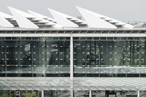 La gare de TGV à piliers creux de Changhua signée Kris Yao