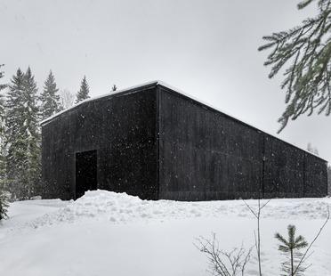 La distillerie en béton qui ressemble au bois d'Avanto Architects