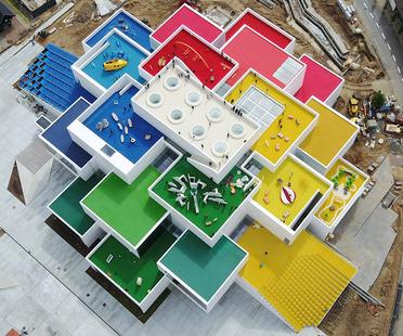 Béton et acier pour la Lego House de BIG
