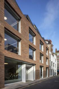 Toiture en mansarde pour les bureaux Ansdell de Seilern Architects