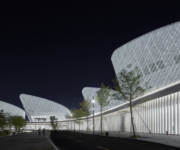 PES ARK signe le centre culturel et artistique du détroit de Fuzhou et son revêtement en céramique technique