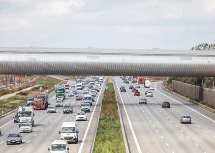 La gare de Køge Nord : un tunnel d'acier habillé de bois et d'aluminium