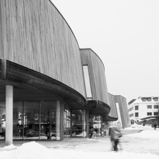 Le Wiedemannsalen de Snøhetta en acier inoxydable
