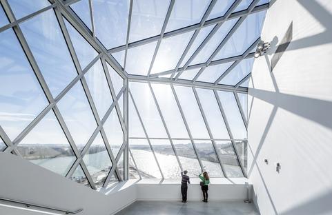 Le musée des Confluences en acier, verre et béton de Coop Himmelb(l)au