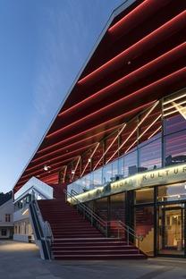 Le centre culturel Flekkefjord en bois et en béton armé