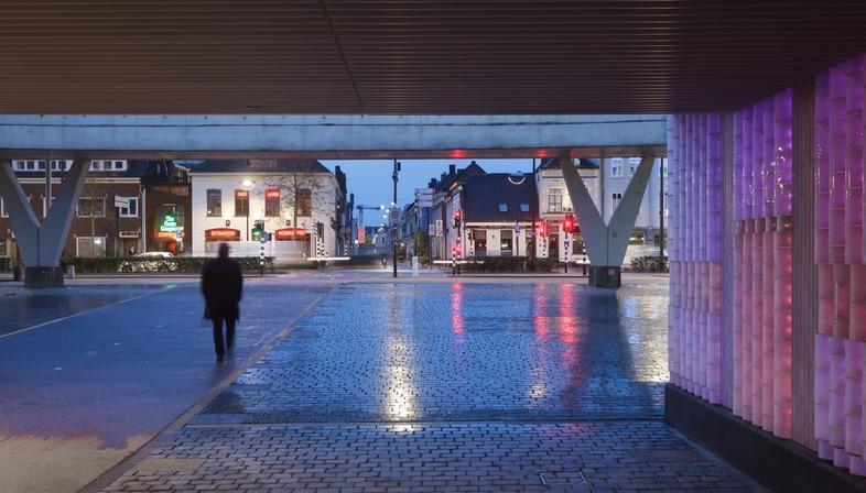 Led et verre pour le passage Willem II à Tilbourg
