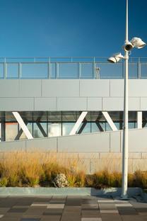 Verre et acier pour le Värtaterminalen de C.F. Møller Architects