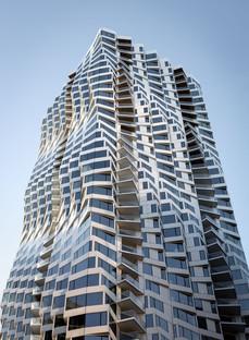 Une façade aérospatiale pour la MIRA Tower de Studio Gang