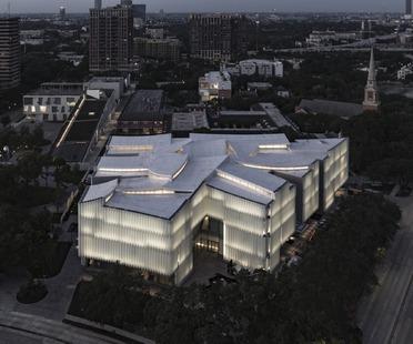 Le musée Nancy et Rich Kinder et sa façade en verre et en acrylique multicouche