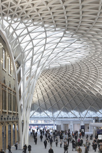 Acier et panneaux de verre pour la gare de King's Cross revisitée par McAslan