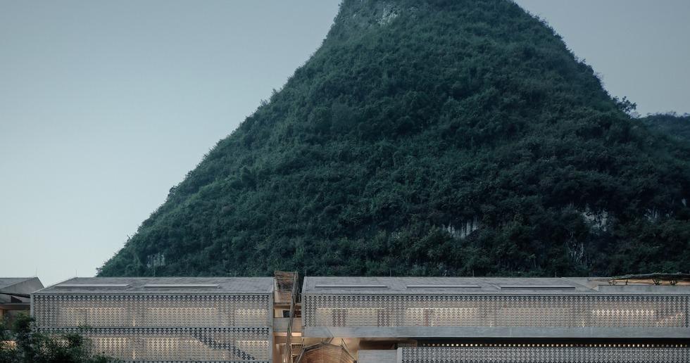 Vector Architects signe un bâtiment en béton et en briques de béton